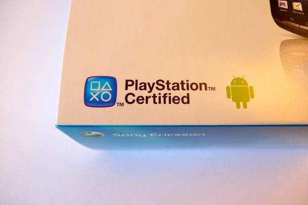 xperia play boite Test Xperia Play