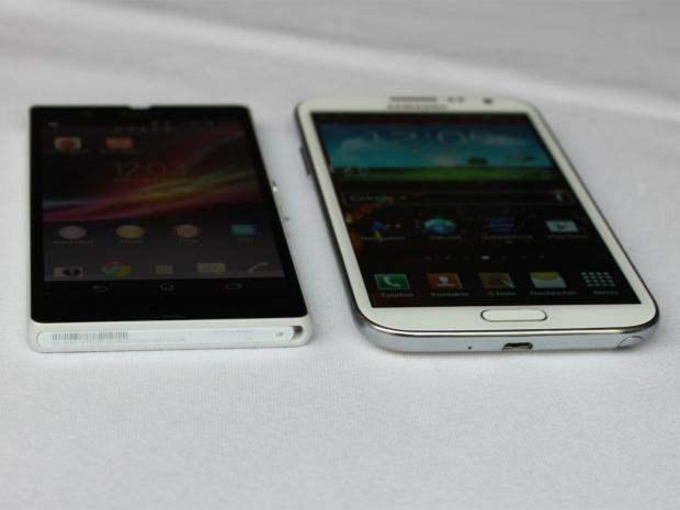 Xperia Z vs Galaxy Note 2 3