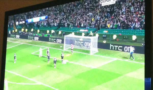 htc-one-billboard-champions-league-celtic-juventus-1