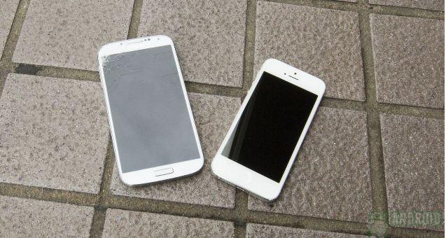 ecran galaxy s4 VS ecran iphone 5