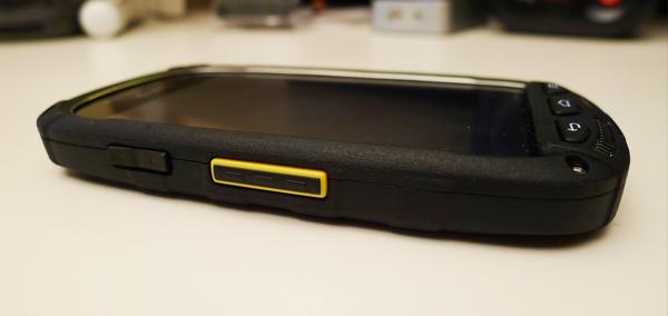 Kyocera Torque G02, le smartphone qui resiste a l\'eau salee...
