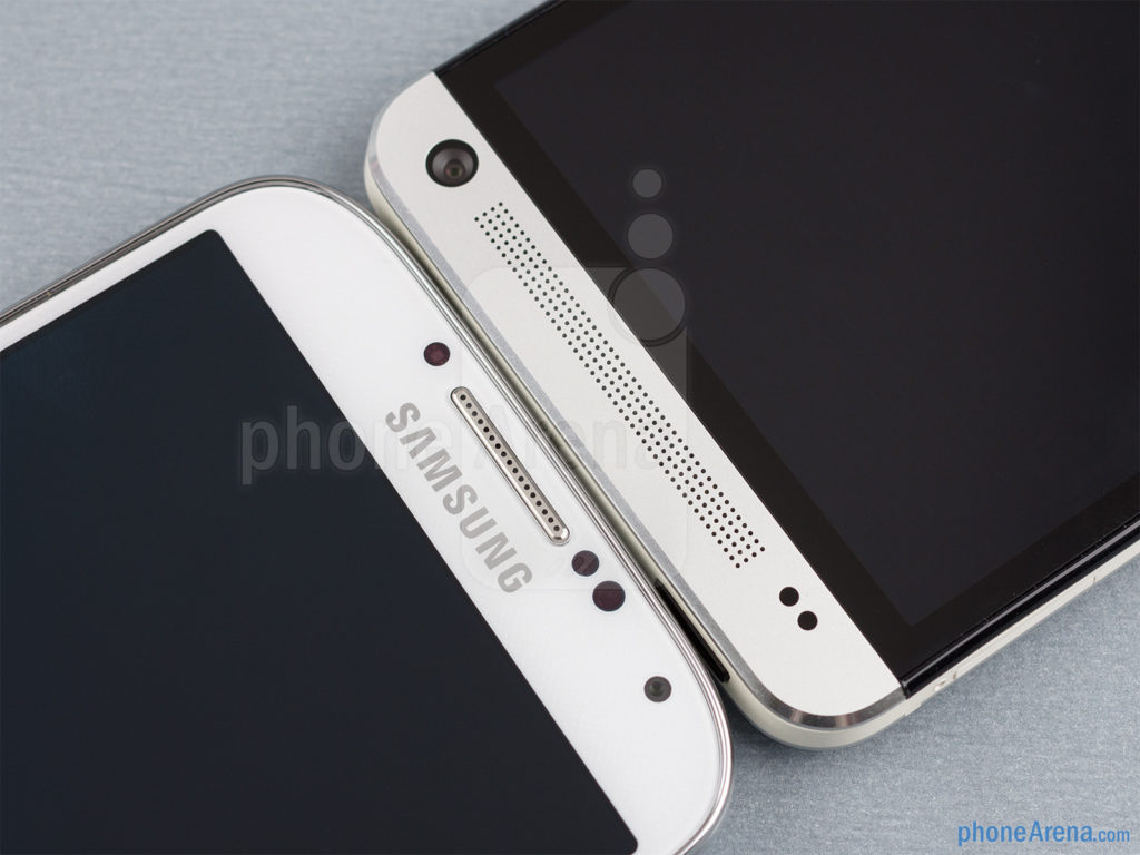 Samsung-Galaxy-S4-vs-HTC-One-03