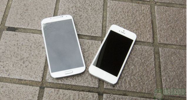 ecran galaxy s4 VS ecran iphone 5