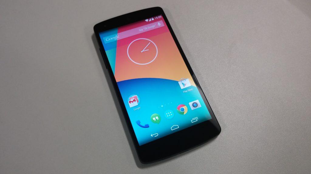 Nexus 5 vs moto g 281103